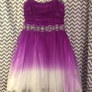 Dresses & Skirts - Strapless ombré purple and white homecoming dress
